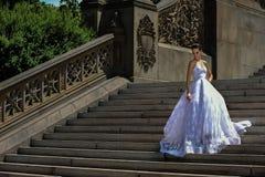 Poses modèles de Kalyn Hemphill dans le Central Park Photographie stock libre de droits