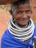 Poses tribales de femme de Bonda pour une verticale Photos stock