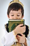 Posetive Kindmoslems Stockfoto