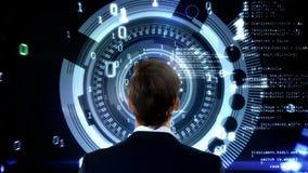 Posição do homem na frente dos dados animados digitais ilustração do vetor