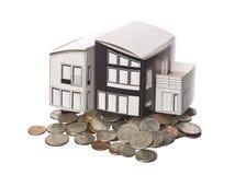 Posição modelo da casa em moedas americanas Fotos de Stock Royalty Free