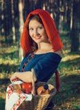 Posição vermelha da capa de equitação Imagem de Stock Royalty Free