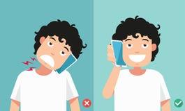Posições erradas e corretas para falar através do telefone esperto ilustração do vetor