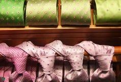 posiadanie ujście krawatów odzież Fotografia Royalty Free