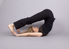 Posición de la yoga imagen de archivo
