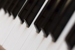 Posición inclinable de las llaves de teclado de piano imagen de archivo
