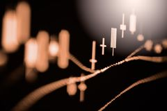 Posicione o gráfico da análise financeira do indicador do mercado de valores de ação no diodo emissor de luz Fotografia de Stock