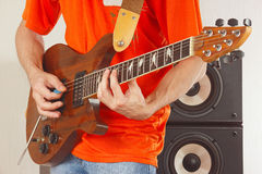 Posing hands of guitarist playing the guitar Royalty Free Stock Images