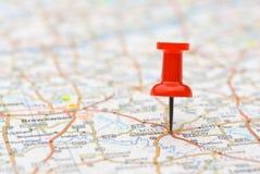 Posição da marcação do Pushpin no mapa Imagens de Stock