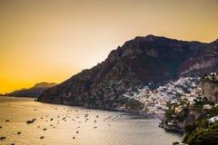 Positano - Amalfi kust, Salerno, Campania, Italien Arkivfoton