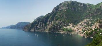 Positano, de baai Royalty-vrije Stock Afbeeldingen