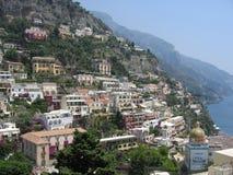 Positano op de Amalfi kustlijn Stock Foto's