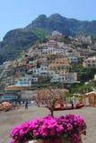 Positano på den Amalfi kusten av Italien Arkivbilder