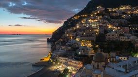 Positano, pueblo mediterráneo hermoso en la costa Italia, timelaps de Amalfi metrajes