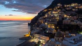 Positano, pueblo mediterráneo hermoso en la costa Italia, timelaps de Amalfi almacen de video