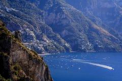 Positano, sulla costa di Amalfi dell'Italia fotografie stock