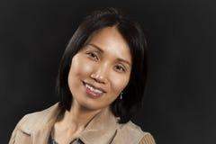 Positieve Aziatische vrouw Stock Afbeelding
