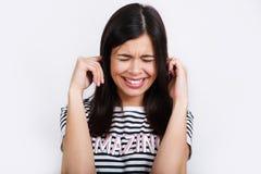 Positieve menselijke emoties Headshot van gelukkig emotioneel meisje royalty-vrije stock afbeelding