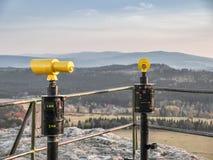 Position avantageuse chez Szczeliniec, montagnes de Tableau, Pologne images libres de droits