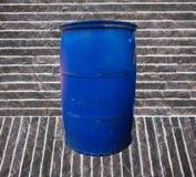 Position bleue d'ordures Photographie stock libre de droits