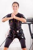 Position clé convenable d'exercice de jeune femme de l'ordre de speedfitness Images libres de droits