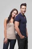 Position et sourire heureux de couples Photos stock