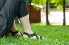 Position sur l'herbe Photographie stock