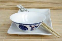 Positionnement chinois de vaisselle image stock