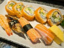 Positionnement de sushi image stock