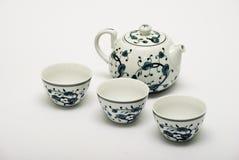 Positionnement de thé chinois de porcelaine Image libre de droits