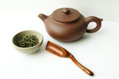 Positionnement de thé et théière Image libre de droits