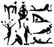 Positionnement romantique de silhouette de femme Image libre de droits
