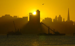 Positionnements de Sun à San Francisco vers le bas Image stock