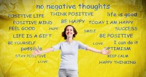 Positiv lycklig kvinna på abstrakt bakgrund Royaltyfria Bilder