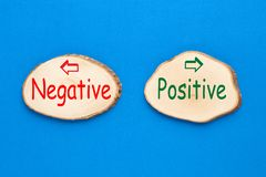 Positiv und Negativ lizenzfreies stockfoto