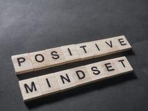 Positive Denkrichtung, Motivwort-Zitat-Konzept stockfotos