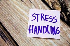 Positive handgeschriebene Mitteilung auf dem Weißbuch über die Druckbehandlung Positive und handgeschriebene Motivmitteilungen Dr Lizenzfreie Stockfotos