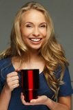 Positive junge Frau stockfotos
