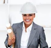 Positive weibliche Architektenholdinglichtpausen Stockbild