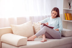 Free Positive Woman Resting On The Couch Royalty Free Stock Photos - 71462578