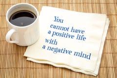 Positivt liv och negativ mening royaltyfria foton