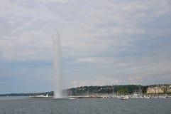 Posizione ad alta pressione di viaggio della fontana del ` d UCE del getto a Ginevra Svizzera Fotografia Stock