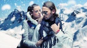 Posizione alla moda delle coppie Fotografia Stock Libera da Diritti