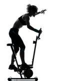 Posizione biking di forma fisica di allenamento della donna Immagine Stock Libera da Diritti
