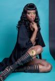 Posizione del modello dell'afroamericano fotografie stock