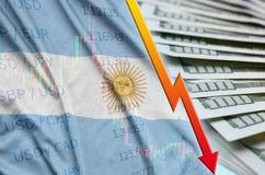 Posizione di caduta del dollaro americano della bandiera e del grafico dell'Argentina con un fan delle banconote in dollari royalty illustrazione gratis