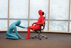 Posizione seduta corretta su addestramento della poltrona dell'ufficio Fotografia Stock Libera da Diritti