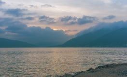 posluminiscencia Bahía de Kotor, Montenegro Imagen de archivo