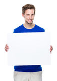 Posse do homem com a placa vazia fotos de stock royalty free