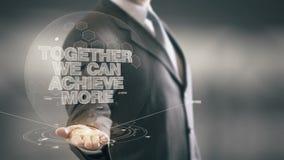 Possiamo raggiungere insieme più nuove tecnologie disponibile di Holding dell'uomo d'affari Fotografie Stock Libere da Diritti